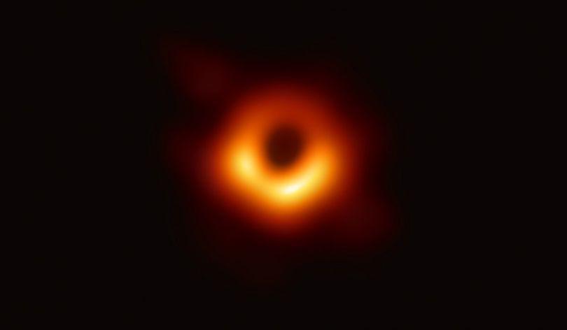 Cum ar putea fi botezată prima gaură neagră fotografiată de oamenii de știință. Petiție online pentru ca aceasta să se numească Chris Cornell